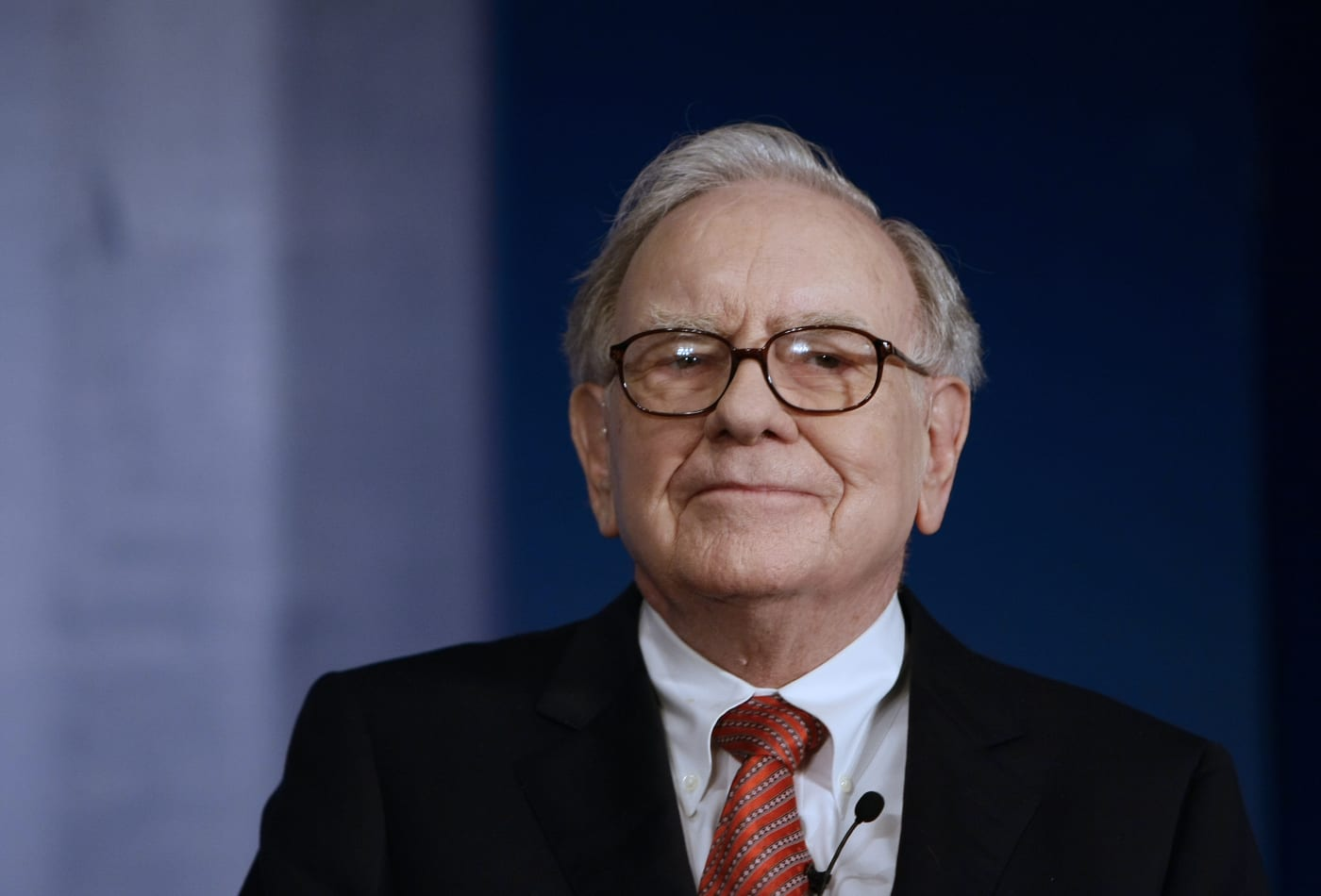 Warren_Buffett-min
