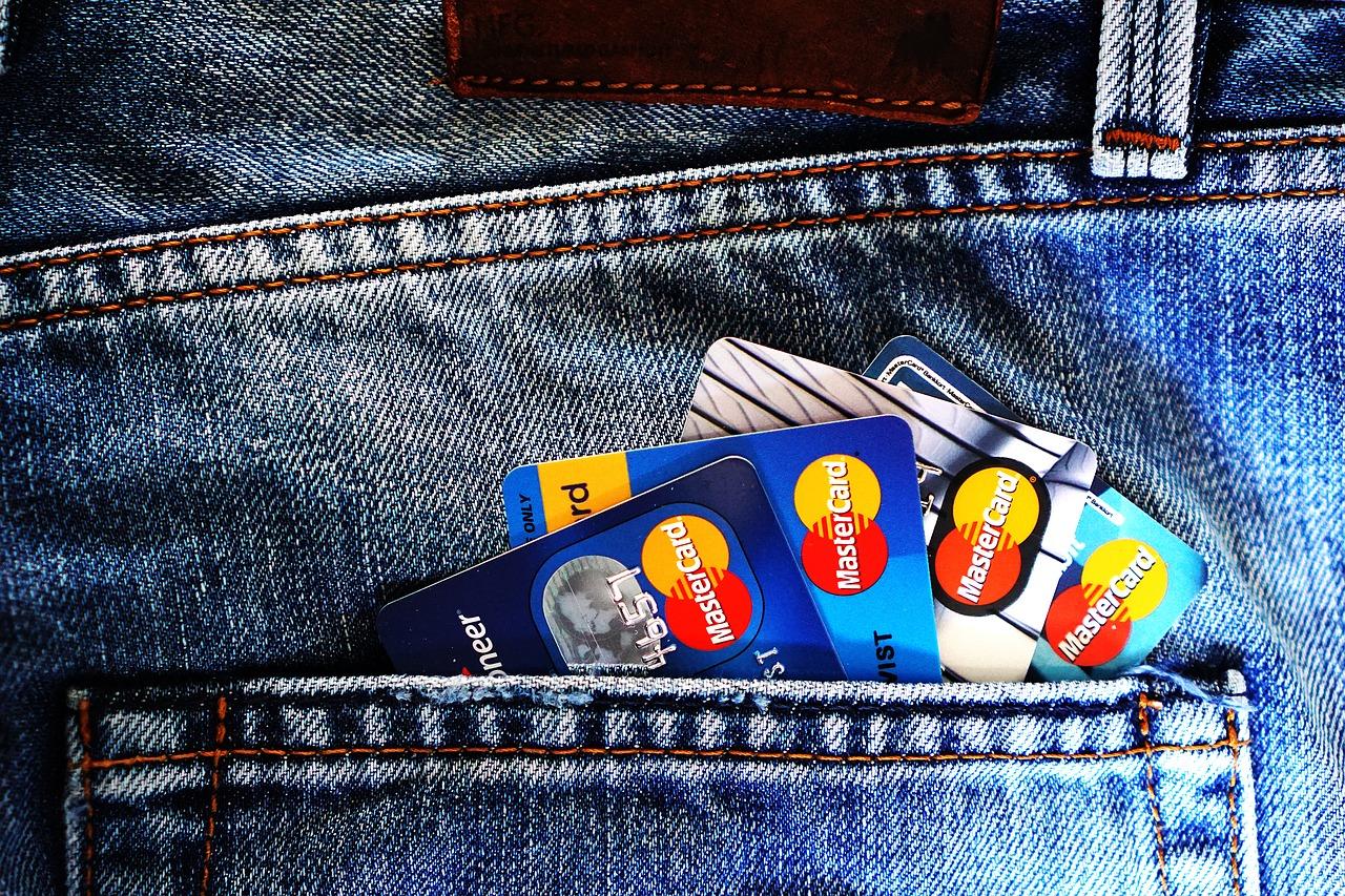 Patēriņa kredīts kredītkaršu izdevumu segšanai