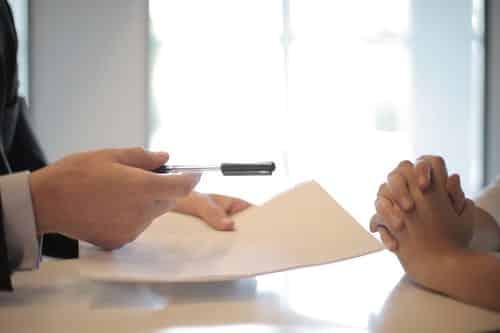 Tiešsaitē vai dzīvē kurš ir labāks veids, lai saņemtu kredītu