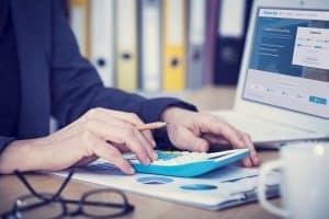 Kāpēc pārtraukt automātiskus kredītkaršu maksājumus