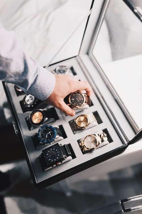 Luksusa pulksteni vai tas ir labs ieguldijums