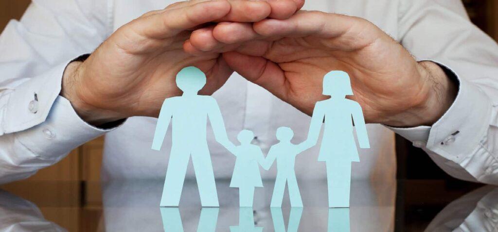 сім'я під захистом страхування