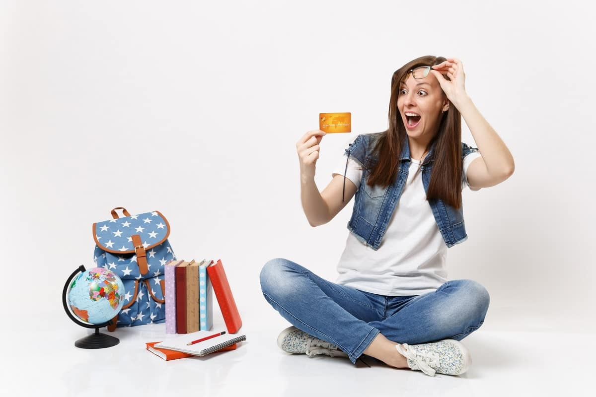 Можно ли взять кредит студенту с 18 лет без работы