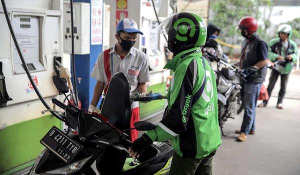 Ojol isi bensin di pertamina