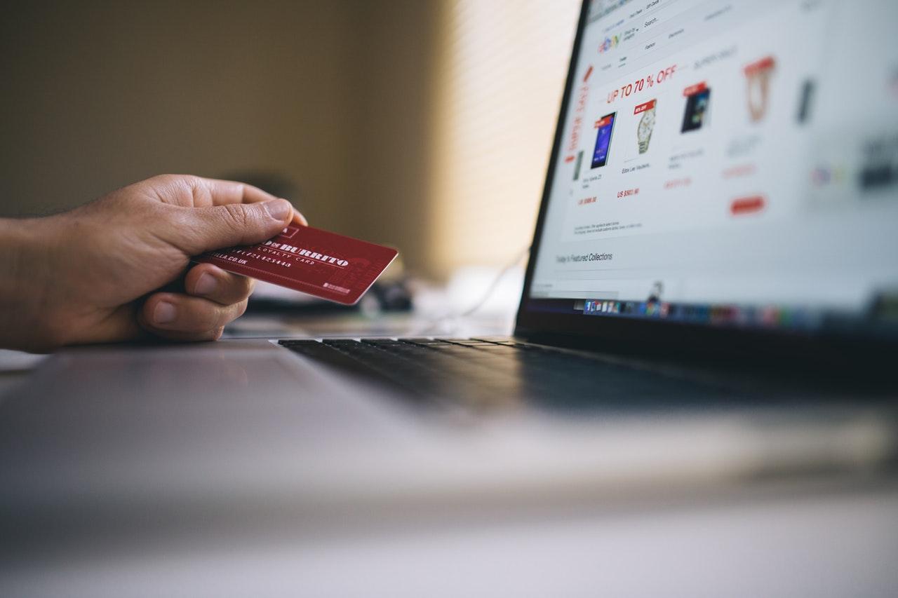 Jak firmy pozabankowe weryfikują klientów?